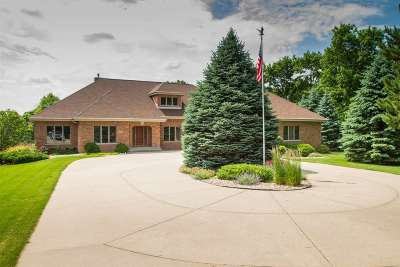 Janesville Single Family Home For Sale: 1942 Pine Ridge Dr