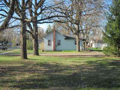 Adams WI Single Family Home For Sale: $34,000