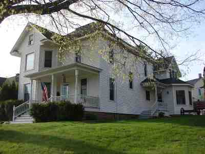 Iowa County Single Family Home For Sale: 419 Doty St