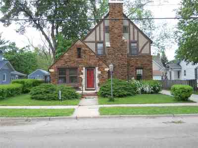 Janesville WI Single Family Home For Sale: $149,900