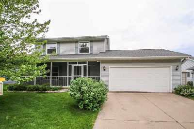 Dane County Single Family Home For Sale: 2123 Hillebrand Dr
