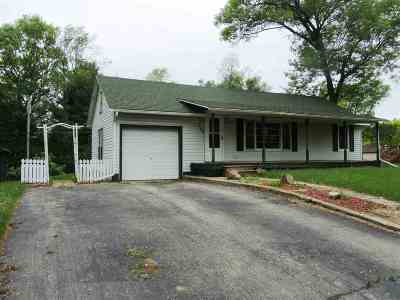 Adams WI Single Family Home For Sale: $69,900