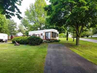 Edgerton Single Family Home For Sale: 336 Sunrise Ct