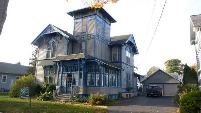 Columbus Single Family Home For Sale: 443 W Prairie St