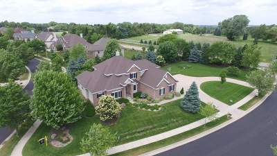 Middleton Single Family Home For Sale: 1102 Winding Way