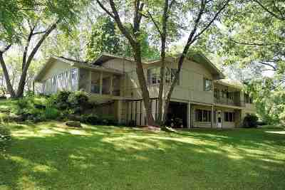 Wisconsin Dells Single Family Home For Sale: 4189 River Rd