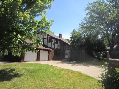 Sun Prairie Single Family Home For Sale: 300 Crossing Ridge Ct