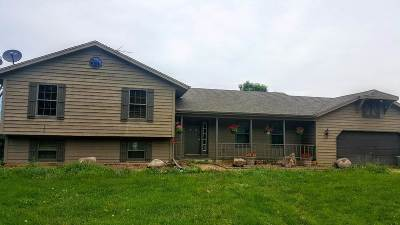 Fort Atkinson WI Single Family Home For Sale: $480,000