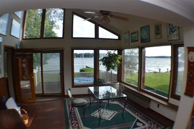 Monona Single Family Home For Sale: 1302 Pocahontas Dr