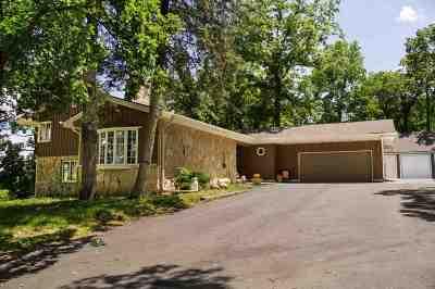 Beloit Single Family Home For Sale: 8439 Beloit Newark Rd