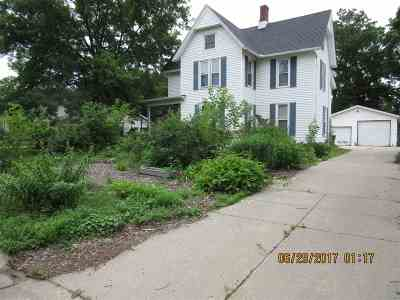 Evansville Single Family Home For Sale: 450 S 2nd St