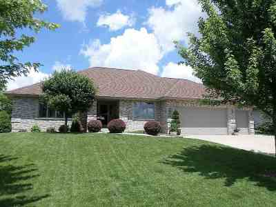 Janesville Single Family Home For Sale: 3523 Cricketeer Dr