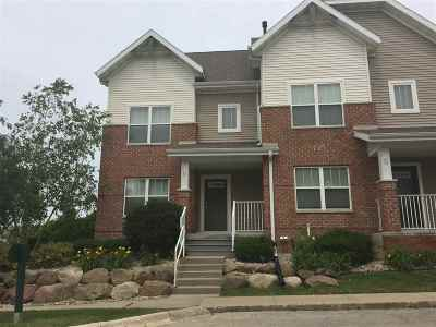 Condo/Townhouse Sold: 721 Cricket Ln #6