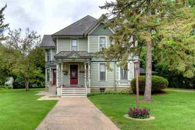Dodgeville Single Family Home For Sale: 110 N Main St