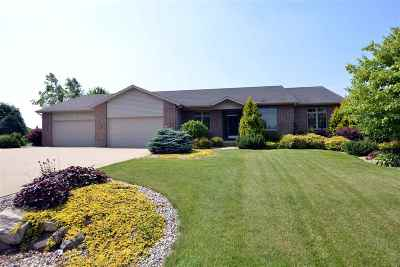 Sun Prairie Single Family Home For Sale: 3029 Bunker View