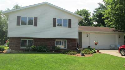 Milton Single Family Home For Sale: 1207 Woodland Dr