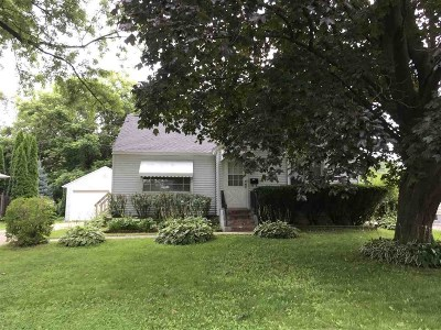 Monona Single Family Home For Sale: 4900 Shore Acres Rd