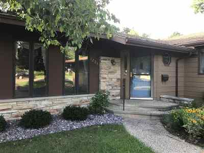 Wisconsin Dells Single Family Home For Sale: 1229 River Rd