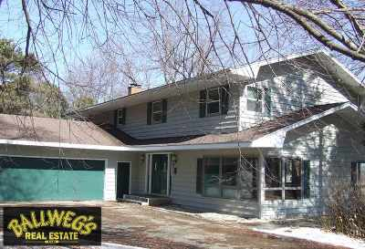 Dodge County Single Family Home For Sale: N7700 Edgewater Dr