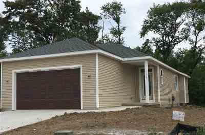 Columbus Single Family Home For Sale: 108 Red Bud Tr