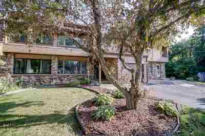 Waunakee Condo/Townhouse For Sale: 517 Knightsbridge Rd