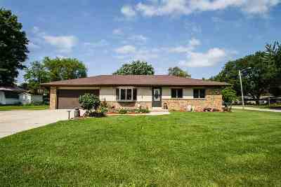 Milton Single Family Home For Sale: 607 Skyview Dr