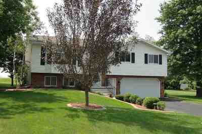 Deforest Single Family Home For Sale: 3823 Misty Ln