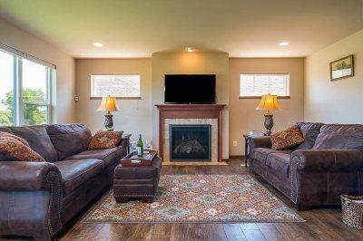 Sun Prairie Single Family Home For Sale: 1351 Red Brick Ln