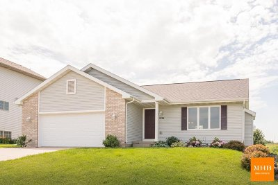 Mount Horeb Single Family Home For Sale: 1224 Temple Dr