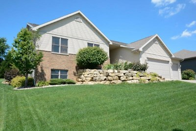 Mount Horeb Single Family Home For Sale: 128 Glen View Rd