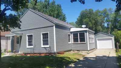 Single Family Home For Sale: 1207 W Wisconsin St