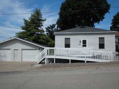 Dodgeville Single Family Home For Sale: 106 S Dacotah St