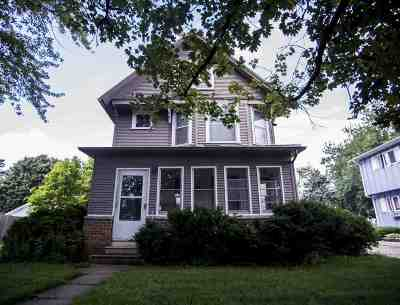 Waunakee Single Family Home For Sale: 203 W 3rd St
