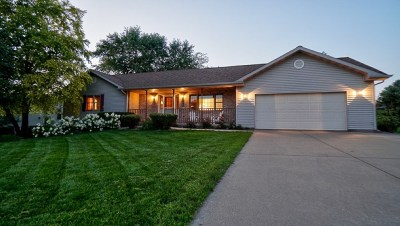 Dodgeville Single Family Home For Sale: 708 Prairie Hills Dr