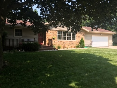Sun Prairie Single Family Home For Sale: 1816 Michigan Ave
