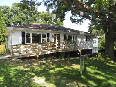 Edgerton Single Family Home For Sale: 229 E Sherman Rd