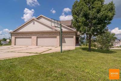 Mount Horeb Single Family Home For Sale: 103 Temple Cir
