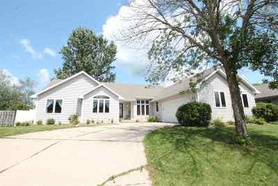 Janesville Single Family Home For Sale: 3429 Candlewood Dr