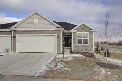 Sun Prairie Single Family Home For Sale: 399 Bella Way