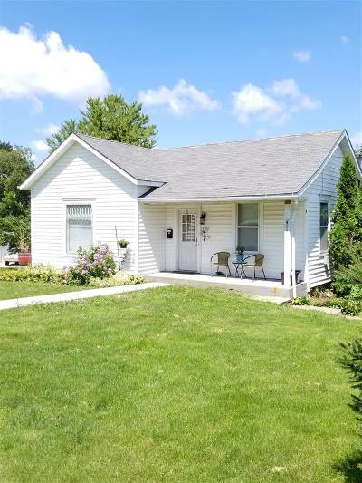 Dodgeville Single Family Home For Sale: 106 W Walnut St