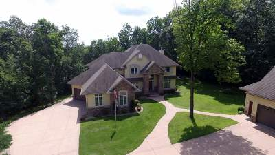 Edgerton Single Family Home For Sale: 236 E Samuelson Dr