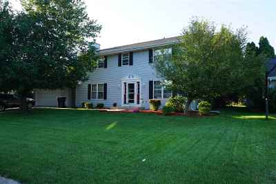 Janesville Single Family Home For Sale: 3935 Brunswick Ln