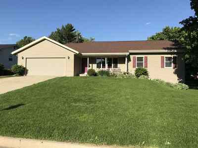 Janesville Single Family Home For Sale: 232 Longwood Dr