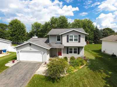 Waunakee Single Family Home For Sale: 1010 Eric Ln