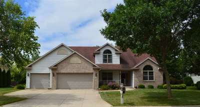 Sun Prairie Single Family Home For Sale: 746 N Heatherstone Dr