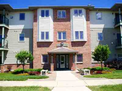 Verona Condo/Townhouse For Sale: 102 Prairie Heights Dr #301