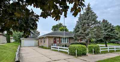 Janesville Single Family Home For Sale: 2715 Joliet St
