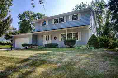 Middleton Single Family Home For Sale: 3911 Rolling Hill Dr