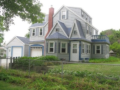 Madison WI Single Family Home For Sale: $219,000