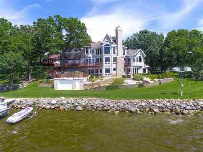 Jefferson County Single Family Home For Sale: W7703 Koshkonong Lake Rd